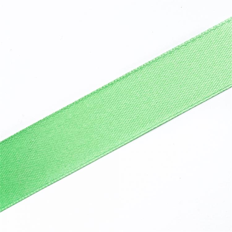 Лента атласная 20 мм салатовая