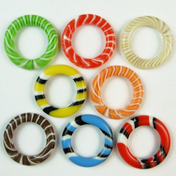 Пластиковые кольца и звенья
