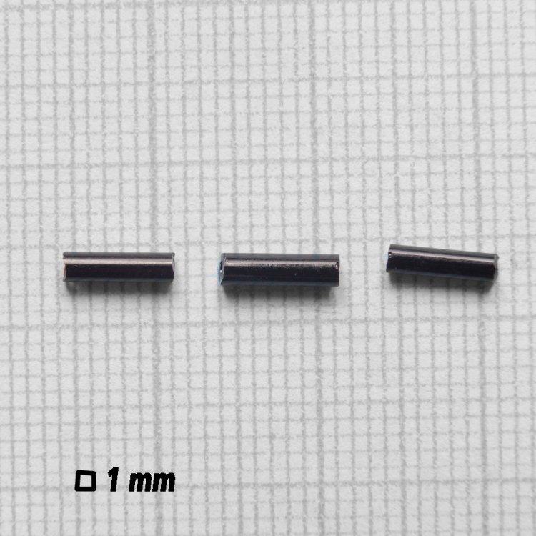 Бисер стеклярус. Черный. 6 мм.