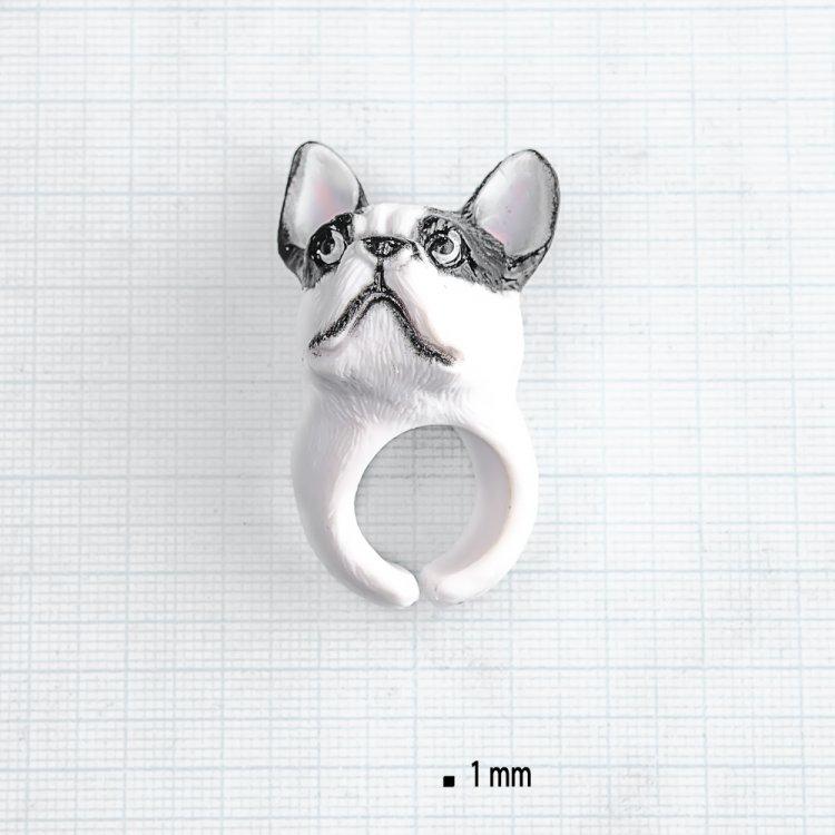 Пластиковое кольцо черный бульдог