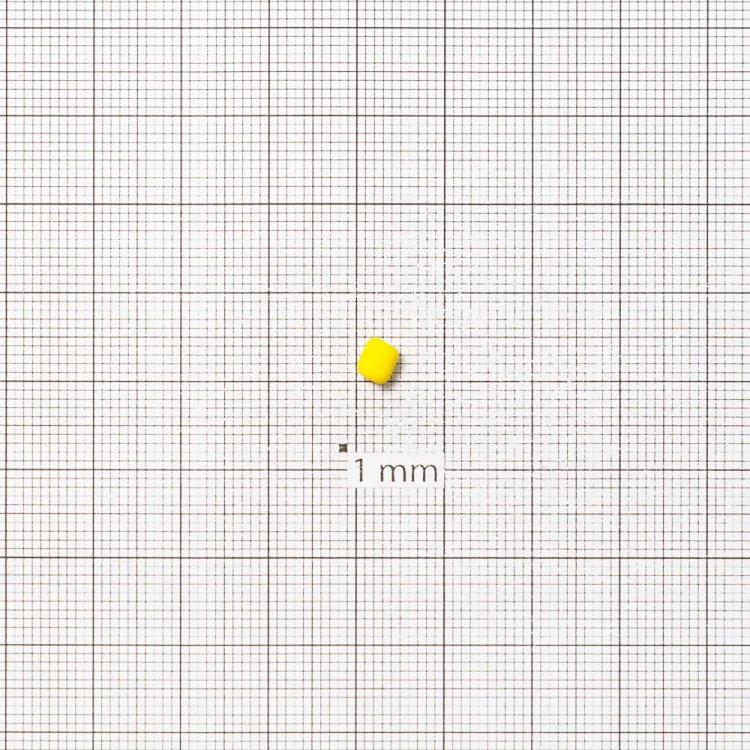 Бисер круглый, желтый, матовый. Калибр 6 (3,6 мм)