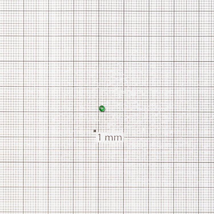 Бисер круглый, мелкий, зеленый, прозрачный. Калибр 12 (1,8 мм)