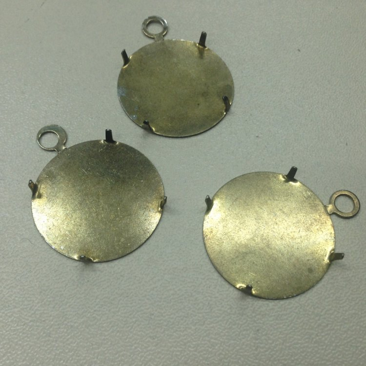 Основа для кулонов металл