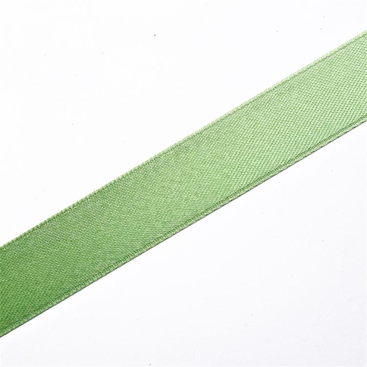 Лента атласная 20 мм зеленая светлая