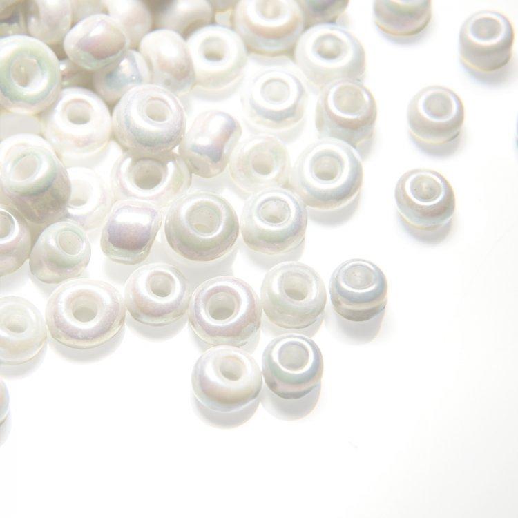 Бисер круглый, мелкий, белый. Калибр 12 (1,8 мм)