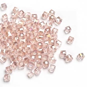 Кришталева намистина в формі куба 6 мм рожева райдужна