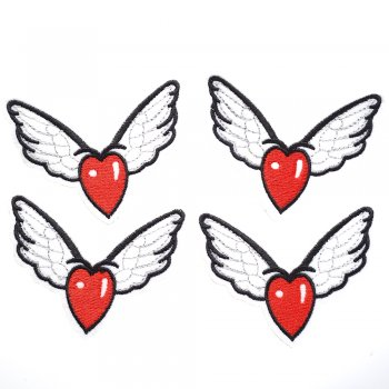 Тканинна нашивка Крилате серце