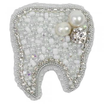 Брошка Зуб (ручна робота)