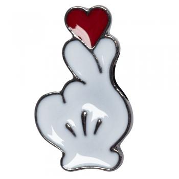 Значок пин Сердце в руке Микки