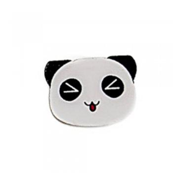 Панда жмурится.Деревянные елементы