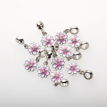 Подвеска-шарм с эмалью розово-белая цветок 21 мм
