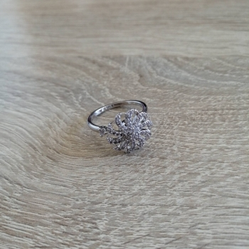 Металлическое кольцо крутящееся