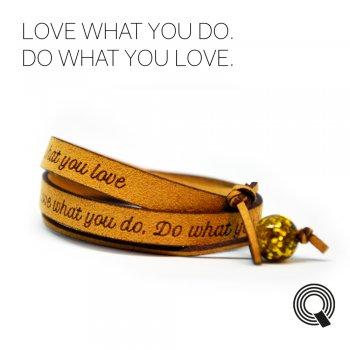 "Браслеты квоутлеты ""Love what you do. Do what you love"", медового цвета"
