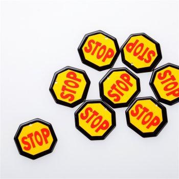 Пластиковая подвеска Stop