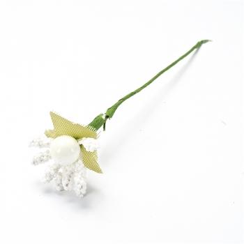 Декоративна тичинка, біла з ягодами