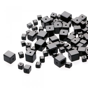 Куб 7 мм. Чеське однокольорове скло чорний квадрат