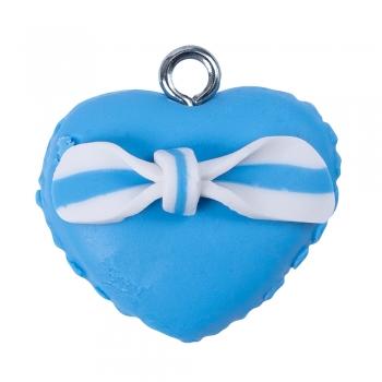 Подвеска из полимерной глины голубое пирожное в форме сердца