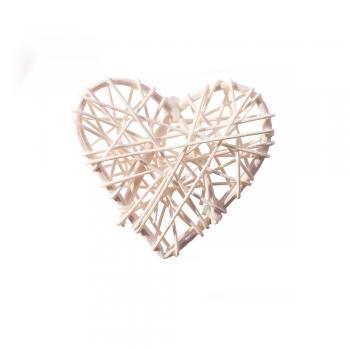 Декоративный элемент сердце с ротанга