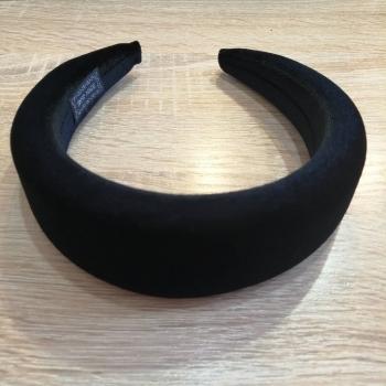 Обруч пластиковый с брахатным покрытием черный