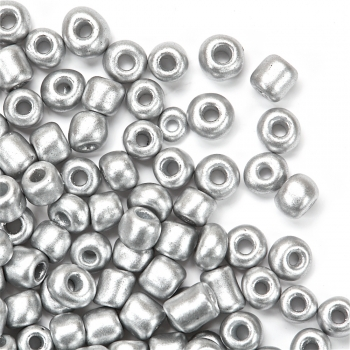 Бисер круглый, крупный, серебристый. Калибр 6 (3,6 мм)
