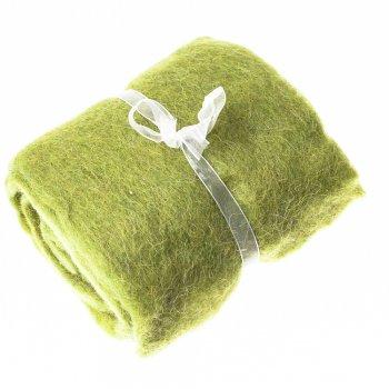 Повсть в листах зелений