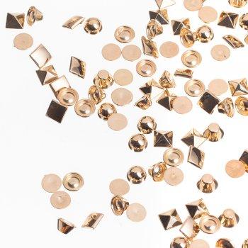Пирамида. Пластиковый клеевой элемент под золото, 9 мм
