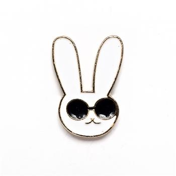 Значок пін Кролик в окулярах