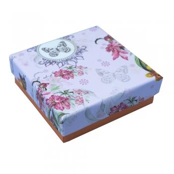 Коробочка картонная квадратная Цветочный узор