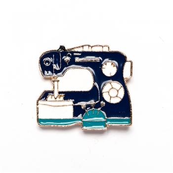 Значок пін швейна машинка