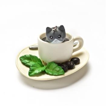 Пластиковая  подвеска Серый котик в чашке