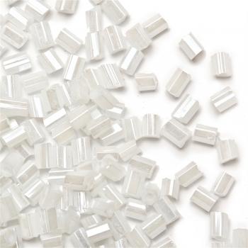 Бісер-рубка білий райдужний ефект 2.1 мм скло