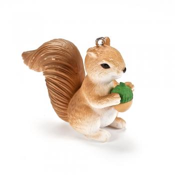 Пластиковая  подвеска Белочка с орешком