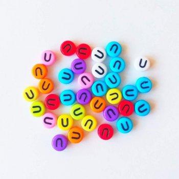 Пластиковая бусина-буква U